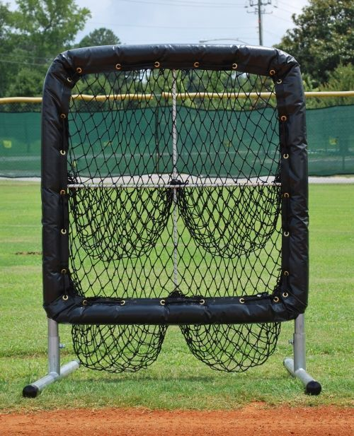 Pitchers Pocket 4 Hole Pitching Target